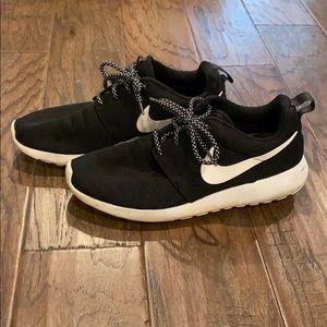 Women's Nike Roshe Shoes
